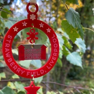 XMAS DANGLING GATE BAUBLE Colour: RED/GOLD